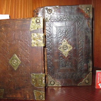 Rare 16th century Bibles in original bindings - Books