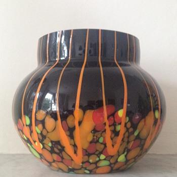 Kralik lines and spots urn - Art Glass
