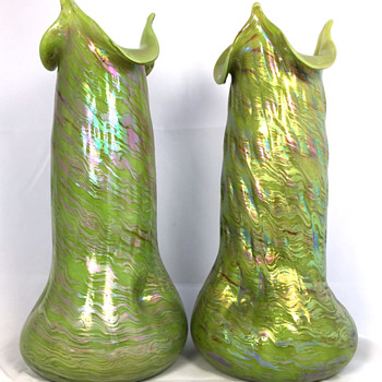 "Rindskopf  Hellgrünes Opalglas Vases. 11.5"" tall. Circa 1902 - Art Glass"