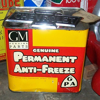 GM antifreeze can - Petroliana