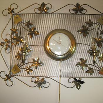 United Ivy Leaf Clock - Clocks