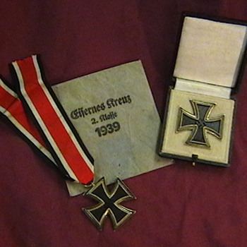 WW II Iron Cross 1st class and 2nd class - Military and Wartime
