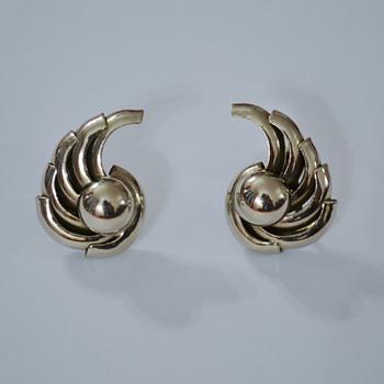 Machine Age / Art Deco style screw-back earrings