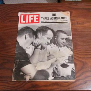LIFE MAGAZINE - THE THREE ASTRONAUTS - Paper