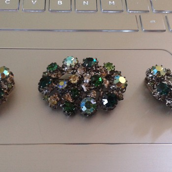 Vintage Rhinestone Brooch & Matching Earrings - Costume Jewelry