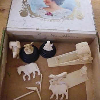 Old cigar box  of  ivory carvings - Asian
