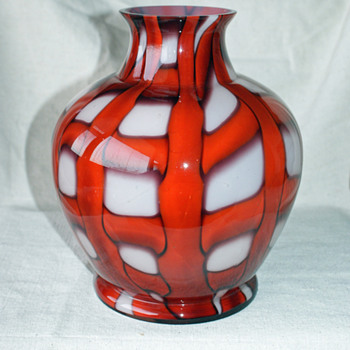 Kralik Web Vase - Art Glass