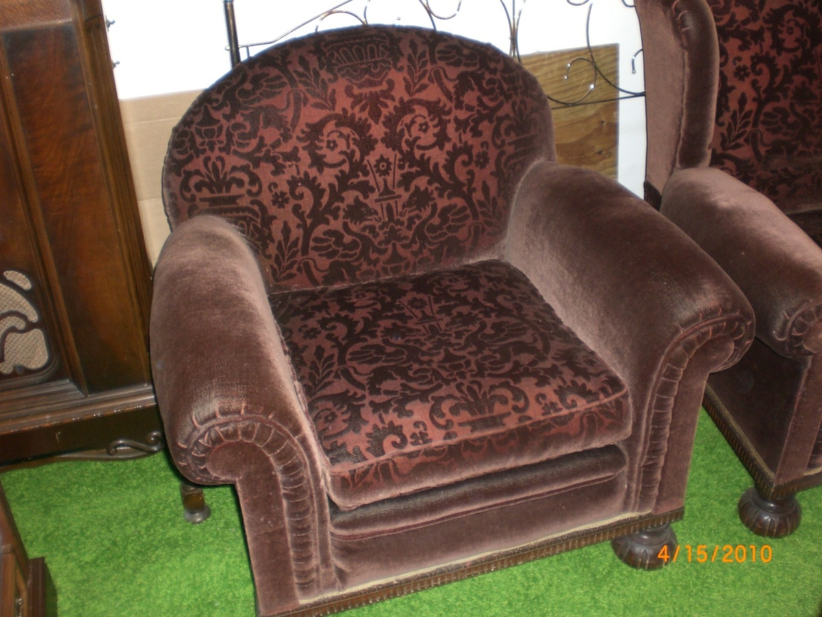 Awe Inspiring Parents 1920 S Sleeper Sofa Two Chair Set Collectors Weekly Gmtry Best Dining Table And Chair Ideas Images Gmtryco