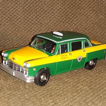 Greenlight Collectibles 1/64 Scale 1960 Checker Marathon - Model Cars