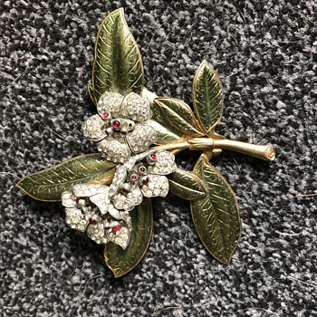 Floral brooch? - Costume Jewelry