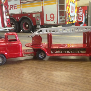 "1950's Buddy ""L"" aerial ladder Christmas project!! - Firefighting"