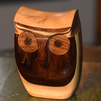 Owl made from 6 different kinds of hardwood - Animals