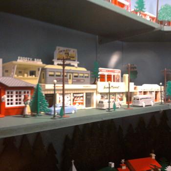 Vintage plasticville display near Lancaster, PA. - Model Trains