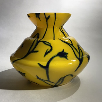 Bohemian yellow powder vase - Art Deco