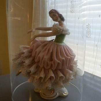 Barbie doll Dresden dancer