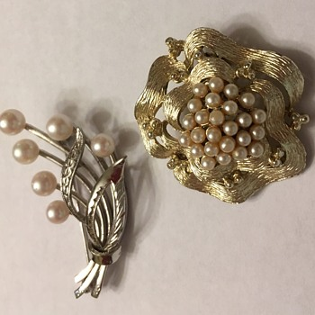 Aunt Sabina's brooches -- the pearls - Costume Jewelry