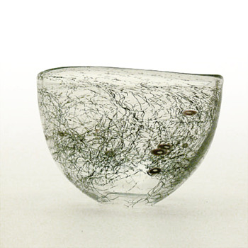 Bowl with incclusions. Karen Lise Krabbe, 2004. - Art Glass