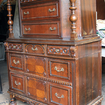 Court Cabinet - need information - Furniture