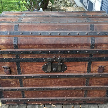 Possibly late 1850's to early 1860's Octagon or Bevel top travel trunk. - Furniture