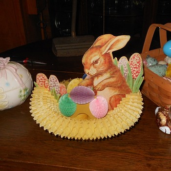 Vintage Fold Out Easter Centerpiece - Advertising
