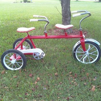 Kids trike built for two - Sporting Goods