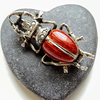 Antique stag beetle brooch, silver, enamel, pearls. - Fine Jewelry