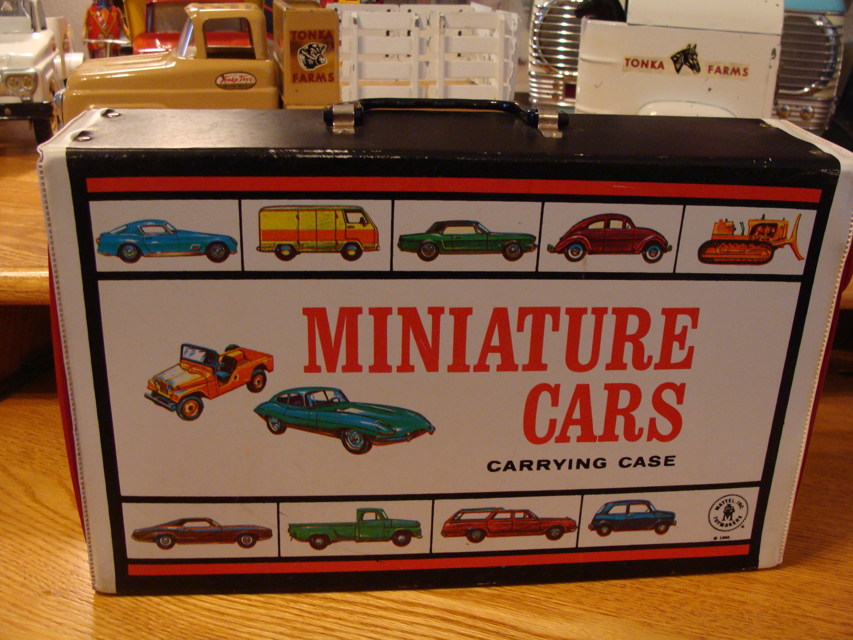1966 Miniature 40 Cars Carrying Case and Matchbox Collection