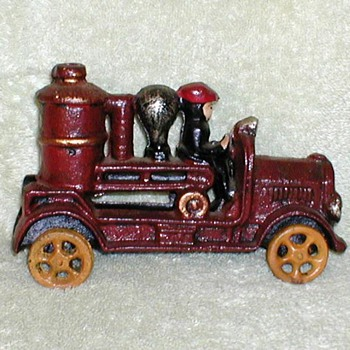 Cast Iron 1920's Fire Engine (Replica) - Toys