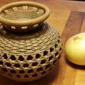 woven Chinese ceramic lidded pot