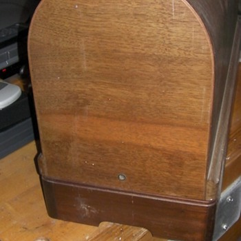 Singer Coffin Case - How to Open? - Sewing