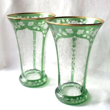 Returning Fantastic Art Nouveau Pair Cut To Clear Glass, Etched, Gilded, Green Flash Bohemian Vases, Probably Early Moser. - Art Glass