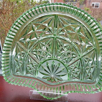 Uranium Glass Libochovice Tray and Sowerby Bowl. - Art Deco