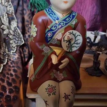 Shelf sitter figurine  - Figurines