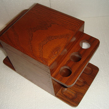 Wood Humidor for Pipes and Tobacco - Unknown date.