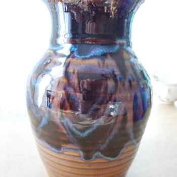 """7"""" Mystery Vase with striking glaze - Pottery"""