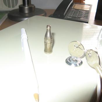 Miniature solid brass or aluminum coke bottle 4cm - Coca-Cola