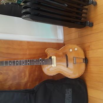 Seemingly very rare chimes guitar - Guitars
