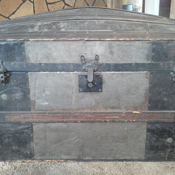 Found a trunk. Now what? - Furniture