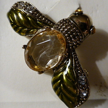 Monet2 bug brooch - Costume Jewelry