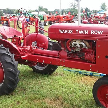 Montgomery Ward's tractor Badger Gas and Steam Show - Tractors