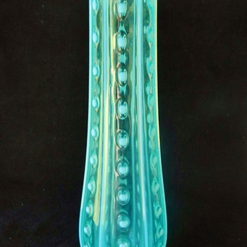 CALLING ALL GLASS-MASTERS! 1900-30? Electric Blue Art Glass Vase