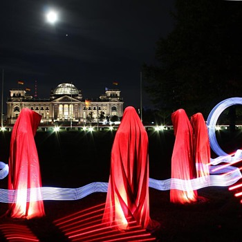 Time guards - light art sculpture by Manfred Kielnhofer - Fine Art