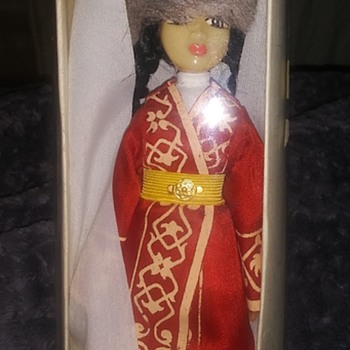 Need help what language is this? Where does this doll come from? - Dolls