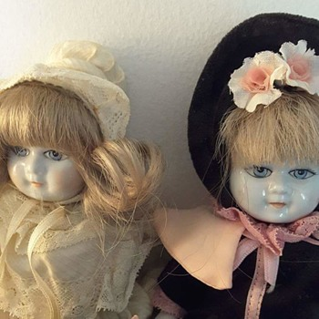 Please any info about these two dolls, for a friend of mine.