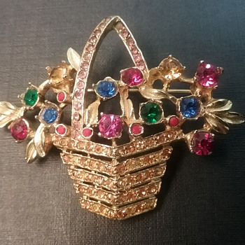 Ledo by Polcini basket brooch  - Costume Jewelry