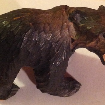 Carved wooden bear - Figurines