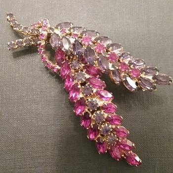 Hobe spray brooch  - Costume Jewelry
