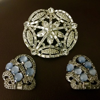 Brooch and dress/shoe clips - Costume Jewelry