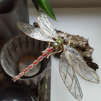 Antique huge vermeil dragonfly pin KYRATISATION.  - Animals