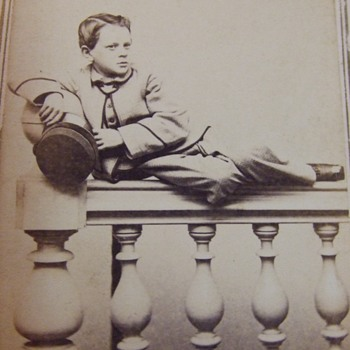 Unusual pose in Civil War cdv - Photographs